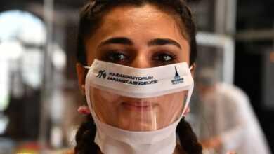 Photo of İşitme Engelliler İçin Şeffaf Maske Üretimi