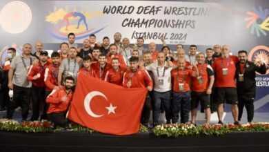 Photo of Bartın Üniversitesi Öğrencisi İşitme Engelliler Dünya Güreş İkincisi Oldu!